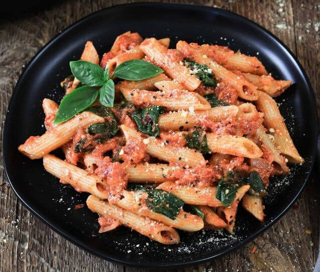 Creamy Rose and Spinach Rigatoni