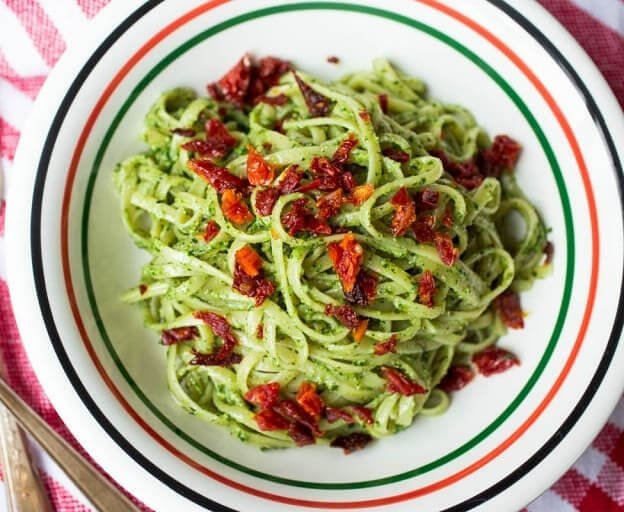 Pesto Pasta with Sundried Tomatoes