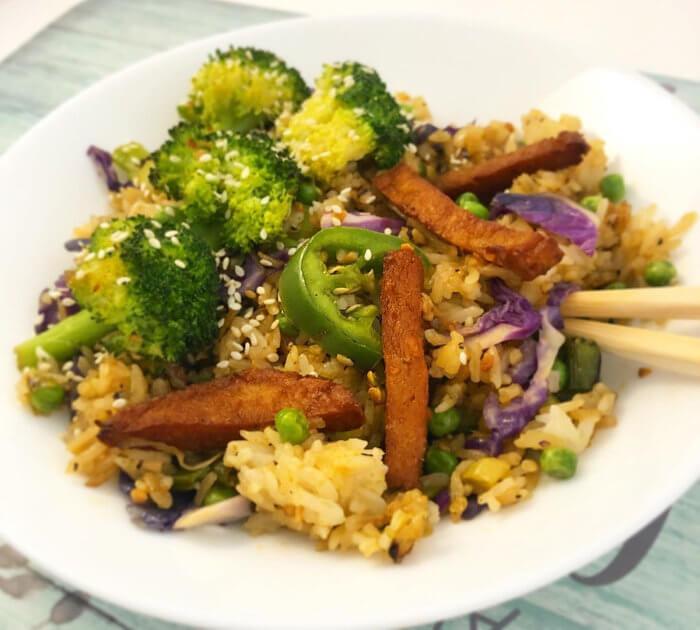 Vegan Chicken, Broccoli, Onions, Peas, Fresh Garlic